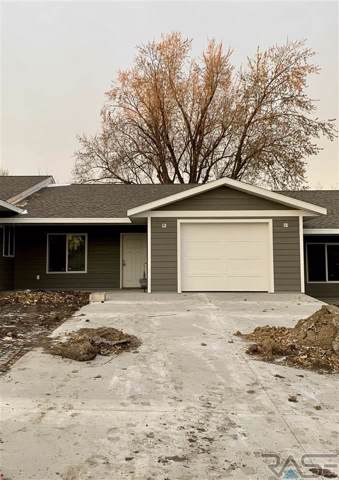 106 W Barck Ave, Luverne, MN 56156 (MLS #21907594) :: Tyler Goff Group