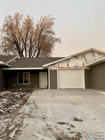 104 W Barck Ave, Luverne, MN 56156 (MLS #21907595) :: Tyler Goff Group