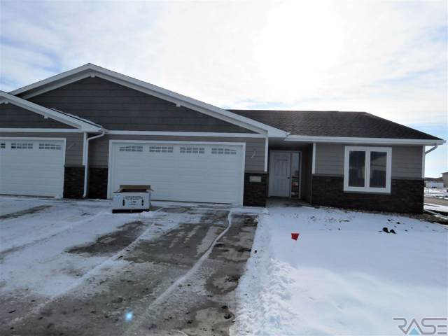 2500 N Lammers Ct, Tea, SD 57064 (MLS #21907951) :: Tyler Goff Group