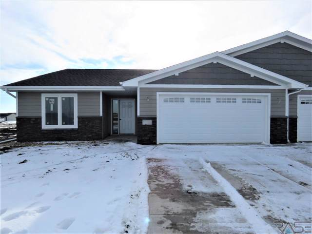 2502 N Lammers Ct, Tea, SD 57064 (MLS #21907952) :: Tyler Goff Group