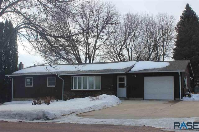 1203 Thresher Dr, Dell Rapids, SD 57022 (MLS #22000983) :: Tyler Goff Group