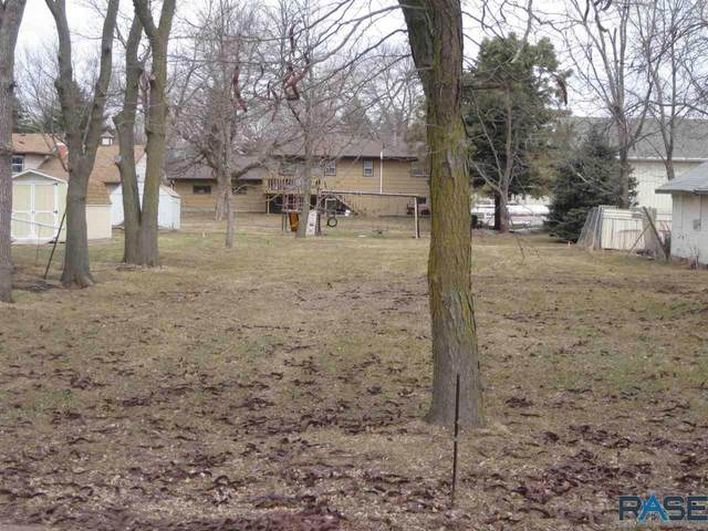 822 E 8th St, Dell Rapids, SD 57022 (MLS #22001376) :: Tyler Goff Group