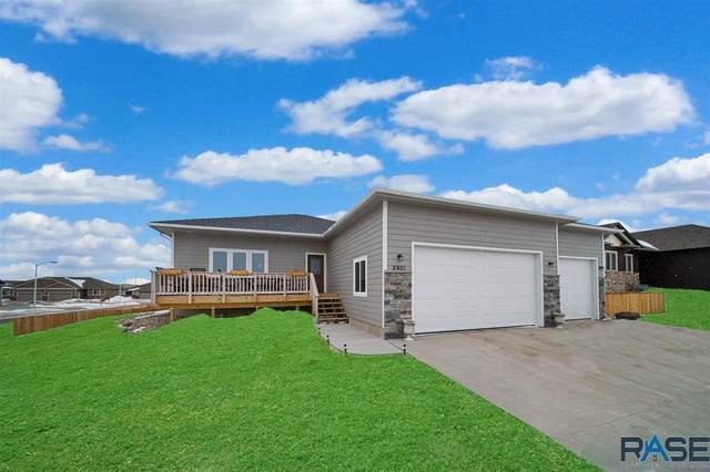 5901 W Whistler Ct, Sioux Falls, SD 57107 (MLS #22002155) :: Tyler Goff Group