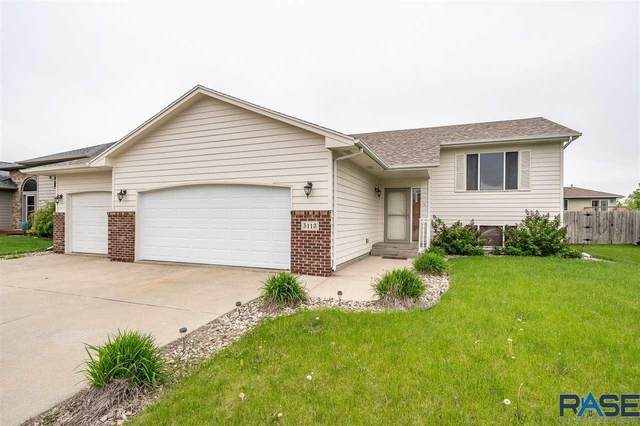5113 S Baneberry Ave, Sioux Falls, SD 57106 (MLS #22002978) :: Tyler Goff Group
