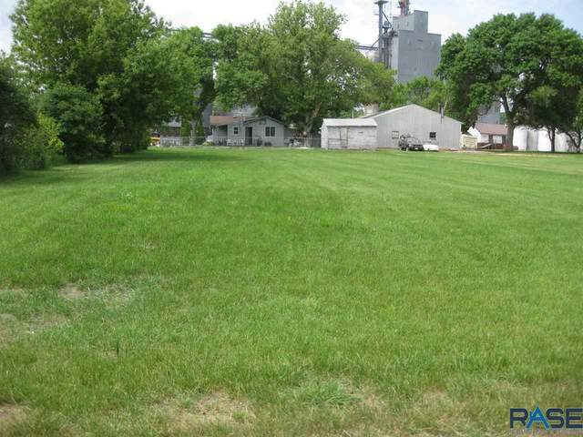 304 E 1st St, Dell Rapids, SD 57022 (MLS #22003346) :: Tyler Goff Group
