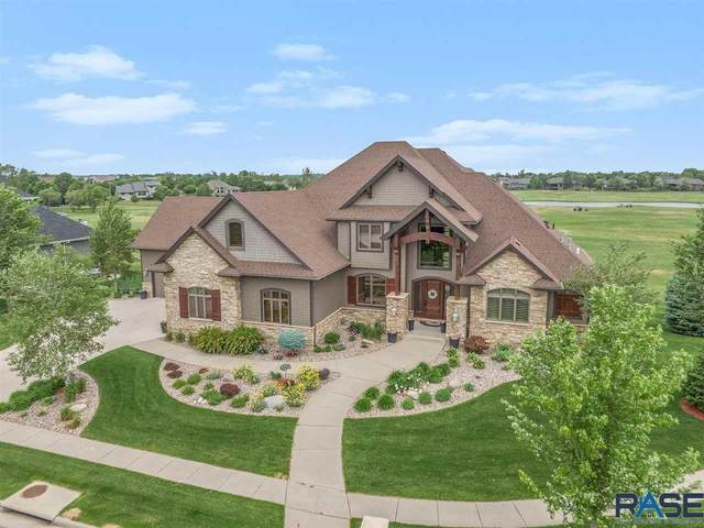 204 E Honors Cir, Sioux Falls, SD 57108 (MLS #22003357) :: Tyler Goff Group