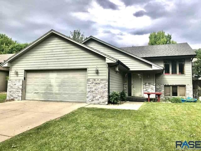 4908 E Blueridge Dr, Sioux Falls, SD 57110 (MLS #22003380) :: Tyler Goff Group