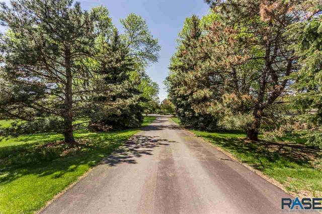 2900 E Stonehedge Ln, Sioux Falls, SD 57103 (MLS #22003488) :: Tyler Goff Group
