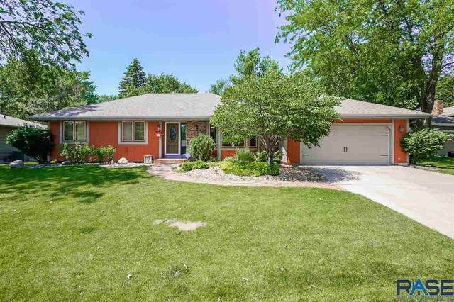 3821 S Slaten Park Dr, Sioux Falls, SD 57103 (MLS #22003639) :: Tyler Goff Group