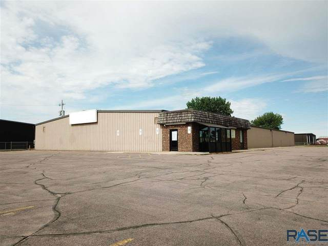 2901 W 3rd St, Sioux Falls, SD 57104 (MLS #22003756) :: Tyler Goff Group