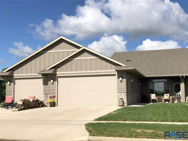 7903 S Parkwood Ave, Sioux Falls, SD 57108 (MLS #22003777) :: Tyler Goff Group