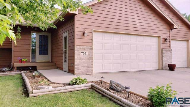 7621 W Leah St, Sioux Falls, SD 57106 (MLS #22003894) :: Tyler Goff Group