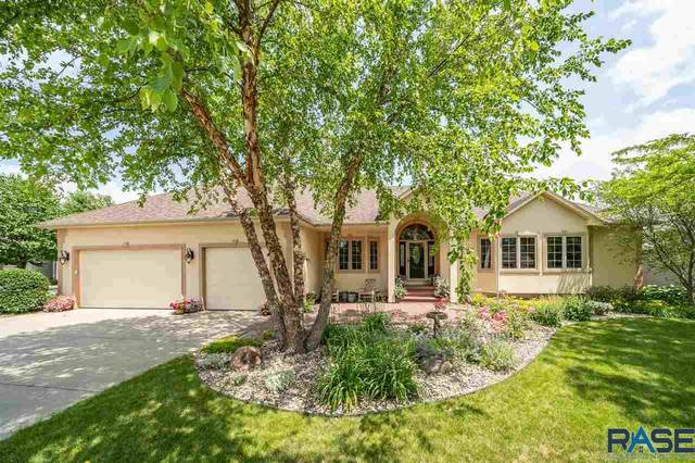 208 E Meadowlark Ct, Brandon, SD 57005 (MLS #22003946) :: Tyler Goff Group