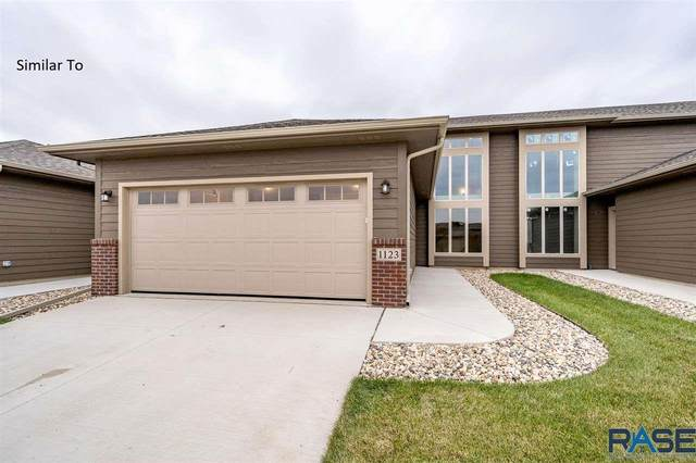 5702 S Woodlily Ave, Sioux Falls, SD 57108 (MLS #22004146) :: Tyler Goff Group