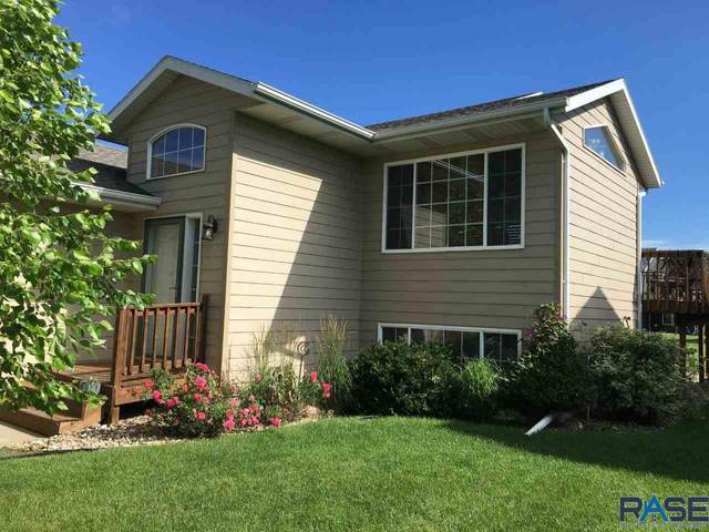 7400 W Luke Dr, Sioux Falls, SD 57106 (MLS #22004152) :: Tyler Goff Group