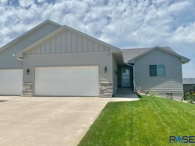 1101 N Broken Bow Ave, Sioux Falls, SD 57103 (MLS #22004179) :: Tyler Goff Group