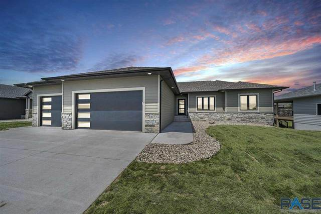 6312 E 33rd St, Sioux Falls, SD 57110 (MLS #22004378) :: Tyler Goff Group