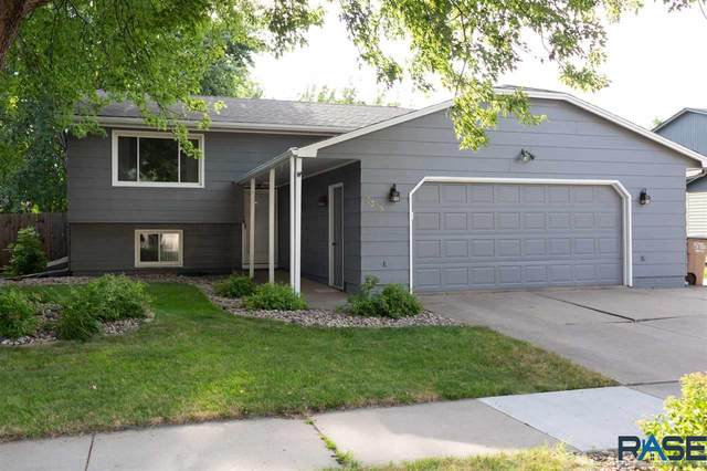 3309 Gibson Ave, Sioux Falls, SD 57106 (MLS #22004461) :: Tyler Goff Group