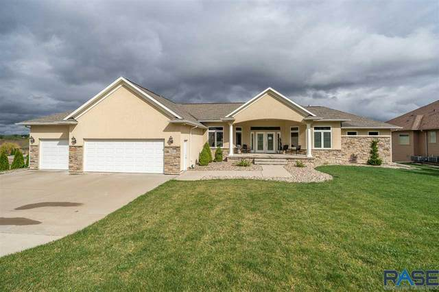 3101 W Old Yankton Rd, Sioux Falls, SD 57108 (MLS #22004575) :: Tyler Goff Group