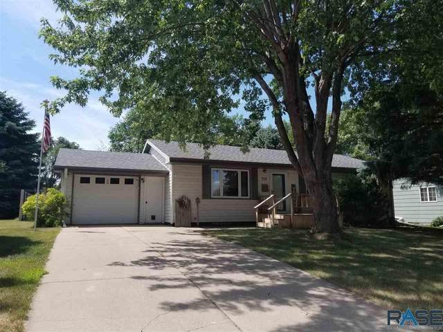 715 N Catherine Ave, Madison, SD 57042 (MLS #22004605) :: Tyler Goff Group