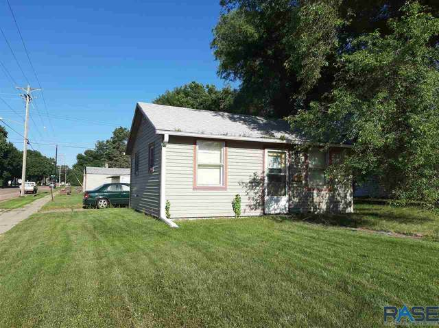 500 S Elmwood Ave, Sioux Falls, SD 57104 (MLS #22004630) :: Tyler Goff Group