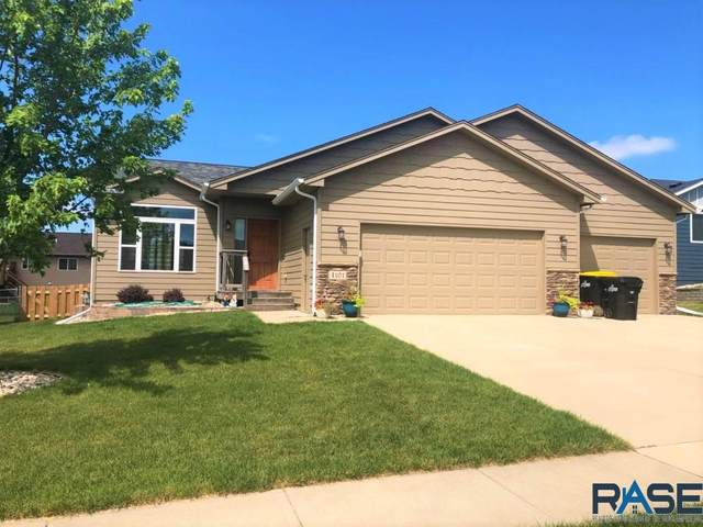 4101 S Outfield Ave, Sioux Falls, SD 57110 (MLS #22004680) :: Tyler Goff Group