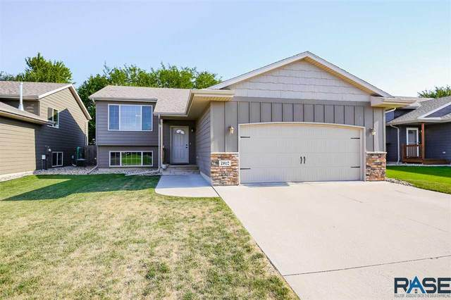 7912 W Vista Park St, Sioux Falls, SD 57106 (MLS #22004687) :: Tyler Goff Group