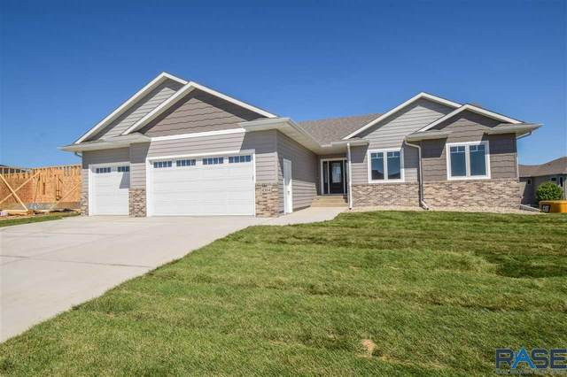 4304 N Astoria Dr, Sioux Falls, SD 57107 (MLS #22004700) :: Tyler Goff Group