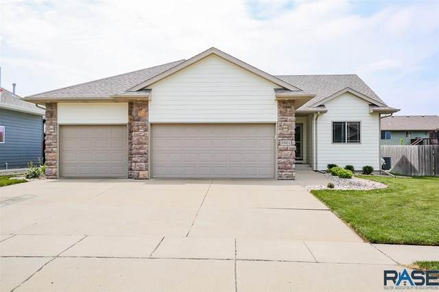 5301 S Breezeway Ave, Sioux Falls, SD 57108 (MLS #22004750) :: Tyler Goff Group