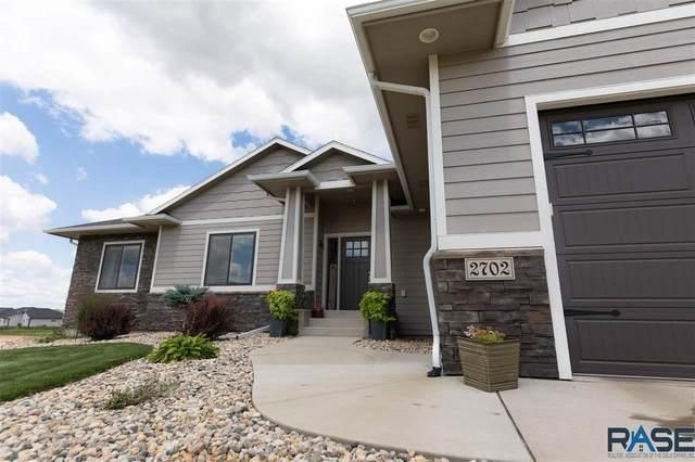 2702 S Burns Knoll Cir, Sioux Falls, SD 57110 (MLS #22004785) :: Tyler Goff Group