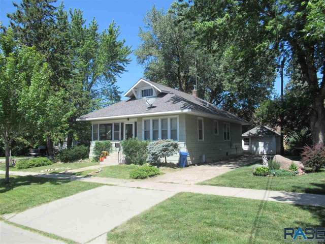 609 SW 5th St, Pipestone, MN 56164 (MLS #22004825) :: Tyler Goff Group