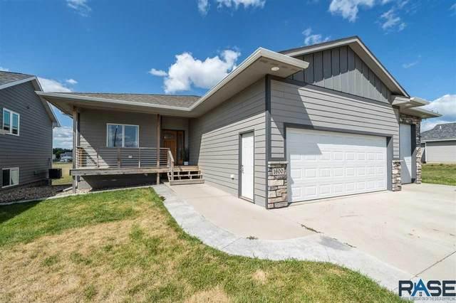 1600 E 67th St N N, Sioux Falls, SD 57104 (MLS #22004859) :: Tyler Goff Group