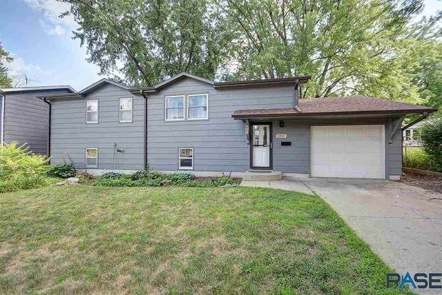 3905 E 20th St, Sioux Falls, SD 57103 (MLS #22004877) :: Tyler Goff Group