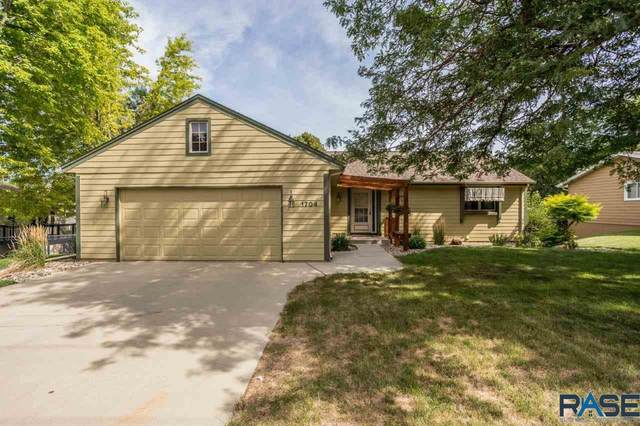 1704 E 49th St, Sioux Falls, SD 57103 (MLS #22004894) :: Tyler Goff Group