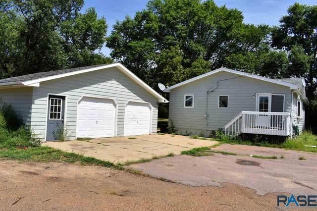 716 W 1st Ave, Lennox, SD 57039 (MLS #22005025) :: Tyler Goff Group