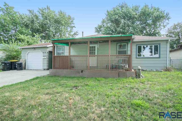 916 E Edward Dr, Sioux Falls, SD 57103 (MLS #22005129) :: Tyler Goff Group