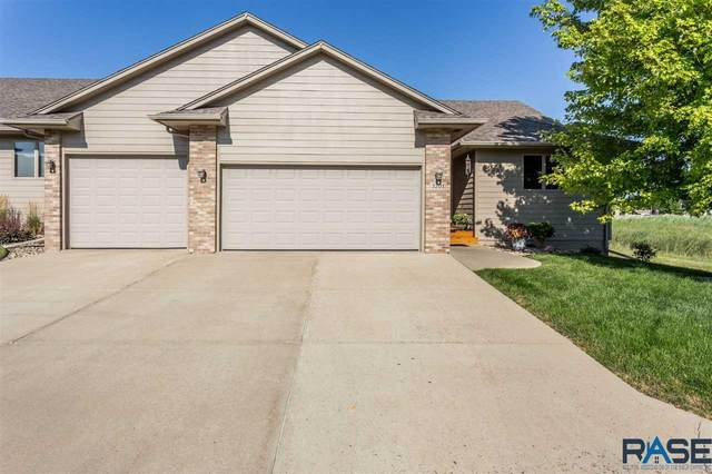 3201 S Lupine Pl, Sioux Falls, SD 57110 (MLS #22005135) :: Tyler Goff Group
