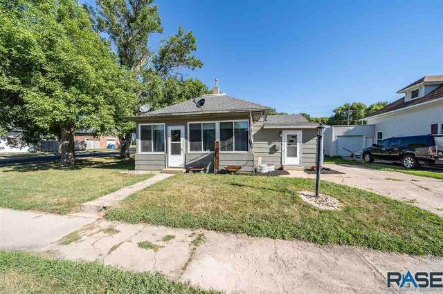 202 E 3rd St, Dell Rapids, SD 57022 (MLS #22005184) :: Tyler Goff Group
