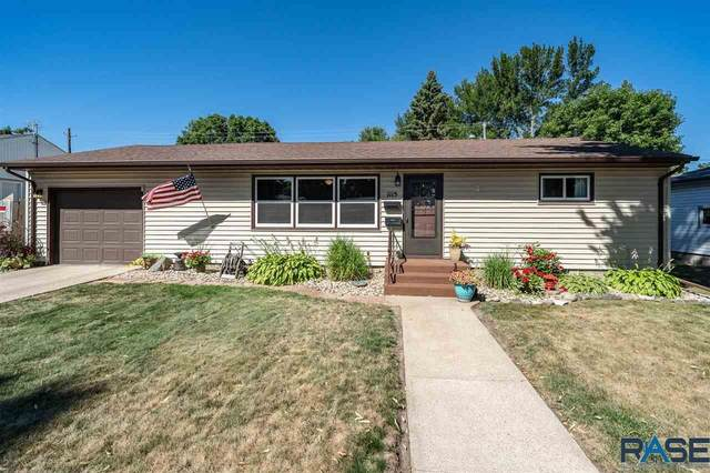 1115 N Harrison Ave, Dell Rapids, SD 57022 (MLS #22005193) :: Tyler Goff Group