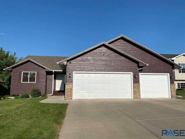 1004 N Broken Bow Ave, Sioux Falls, SD 57103 (MLS #22005302) :: Tyler Goff Group