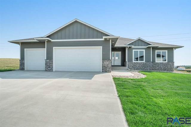 504 N Willow Creek Ave, Sioux Falls, SD 57110 (MLS #22005355) :: Tyler Goff Group