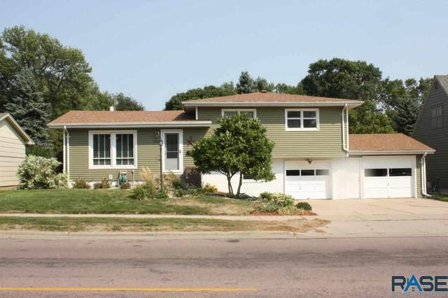 2808 S Phillips Ave, Sioux Falls, SD 57105 (MLS #22005375) :: Tyler Goff Group