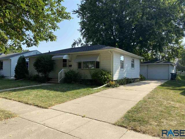 804 Oakley St, Luverne, MN 56156 (MLS #22005398) :: Tyler Goff Group
