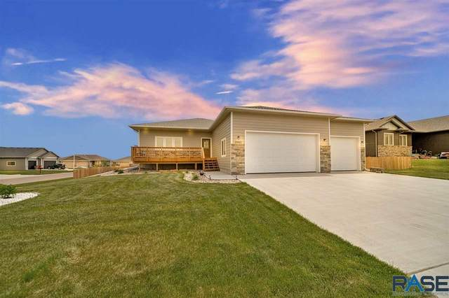 5901 W Whistler Ct, Sioux Falls, SD 57107 (MLS #22005453) :: Tyler Goff Group