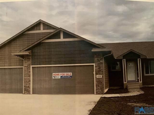 1101 N Brennan Ct, Sioux Falls, SD 57110 (MLS #22005457) :: Tyler Goff Group