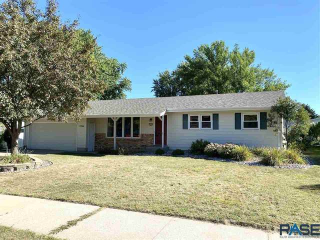 4304 S Hickory Hill Rd, Sioux Falls, SD 57103 (MLS #22005516) :: Tyler Goff Group