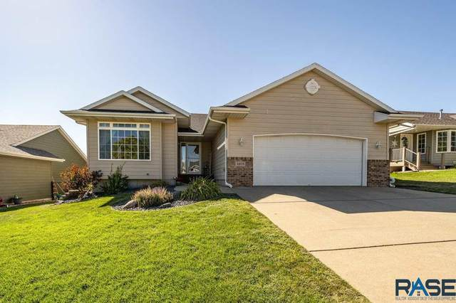 4605 S Galway Ave, Sioux Falls, SD 57106 (MLS #22005544) :: Tyler Goff Group