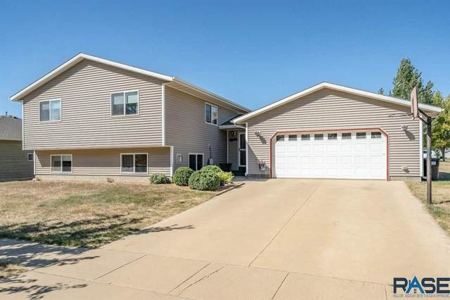 900 W 4th Ave, Lennox, SD 57039 (MLS #22005564) :: Tyler Goff Group