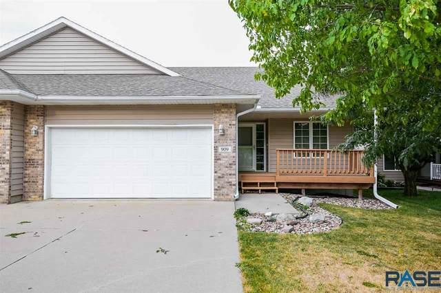 909 S Charlotte Ave, Sioux Falls, SD 57103 (MLS #22005573) :: Tyler Goff Group