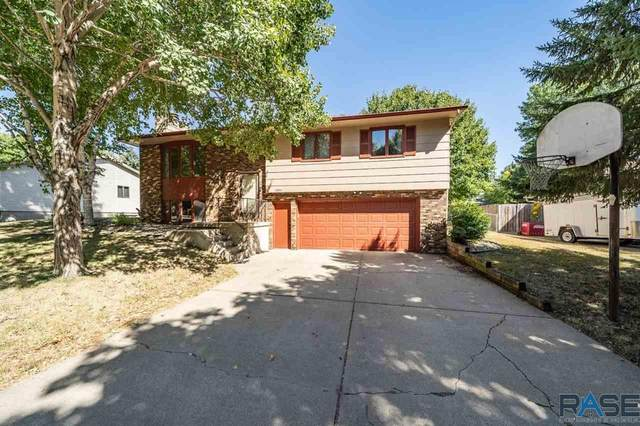 2304 S Sheffield Ave, Sioux Falls, SD 57106 (MLS #22005629) :: Tyler Goff Group